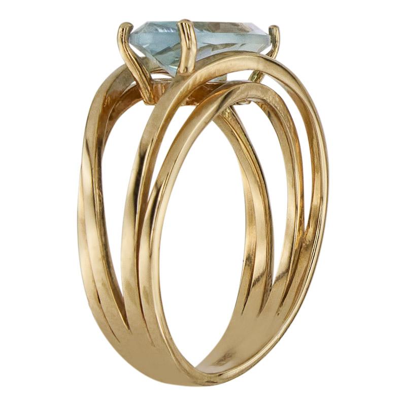 Кольцо. Голубой топаз. Арт.003Т из золота 585 пробы