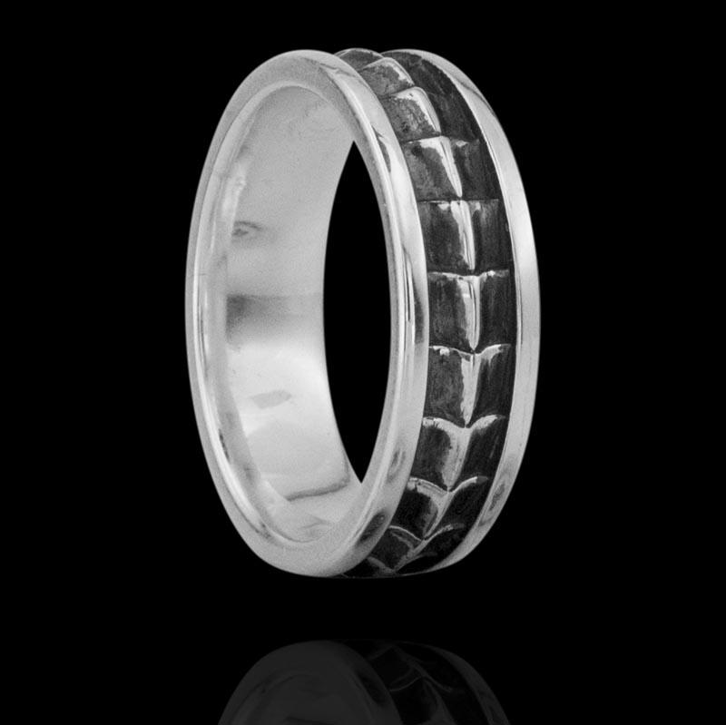 Кольцо. Серебряные кольца и печатки. Арт.1814 из золота 585 пробы